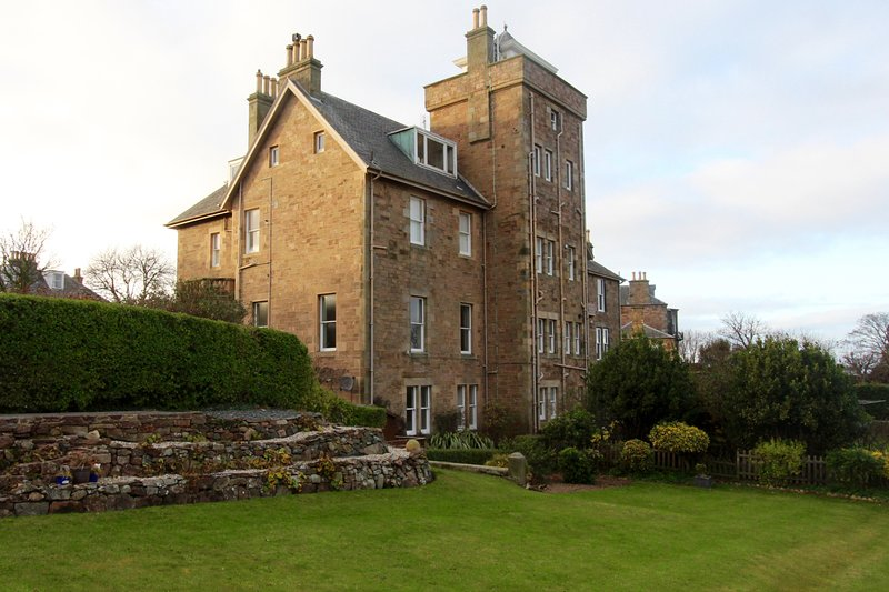 Jane's flat at Tusculum, holiday rental in North Berwick