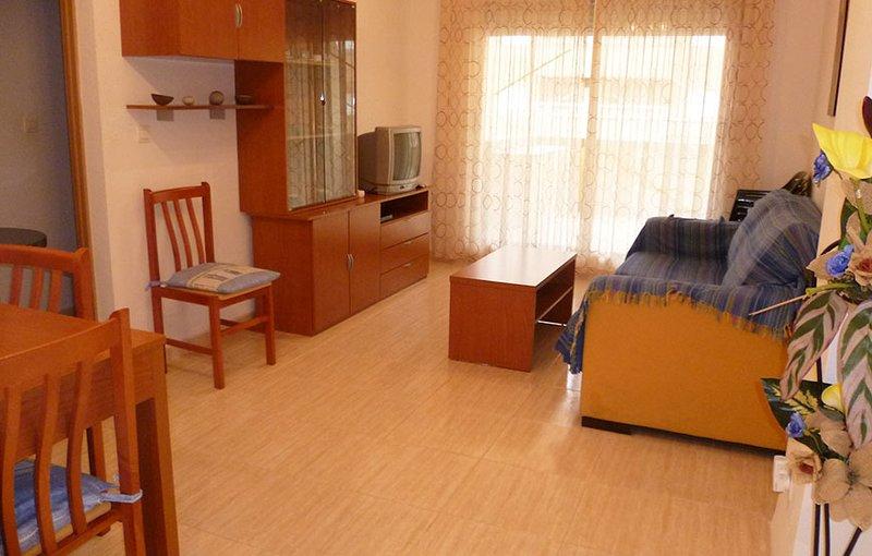 Amazing apartment with shared pool, alquiler de vacaciones en Cabanes