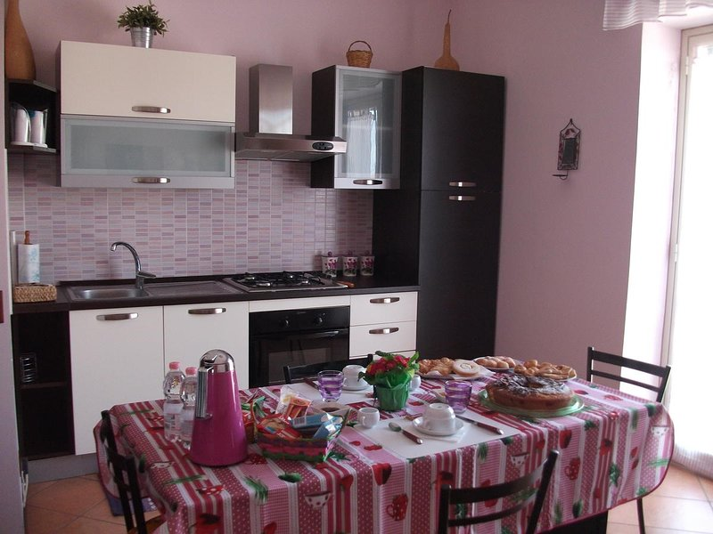 Beautiful apartment with balcony, holiday rental in Nicolosi