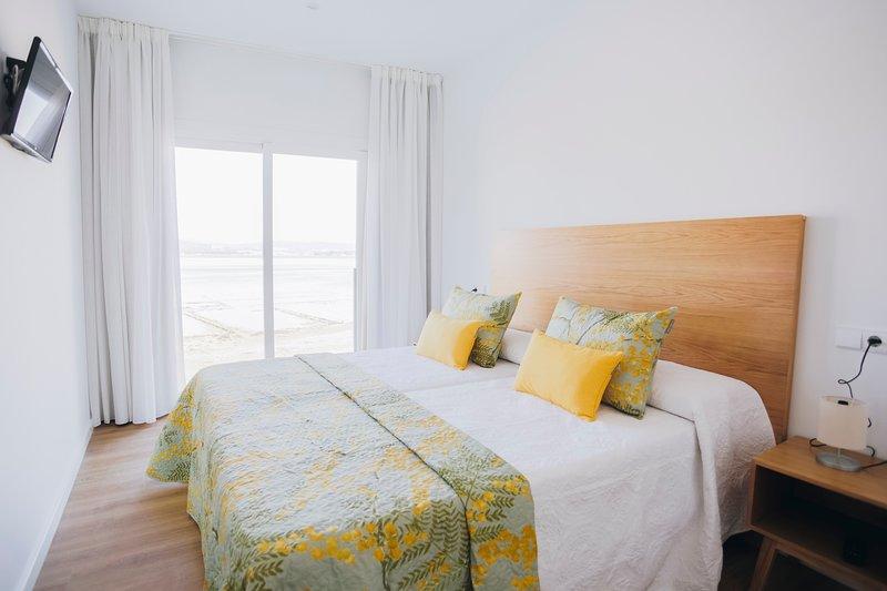 Apartamentos La Toja, holiday rental in O Grove