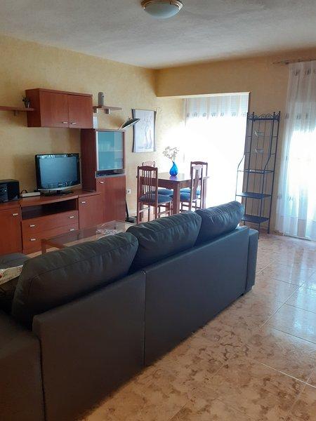 Casa a 5 minutos de la Playa del Postiguet, aluguéis de temporada em Castell de Castells