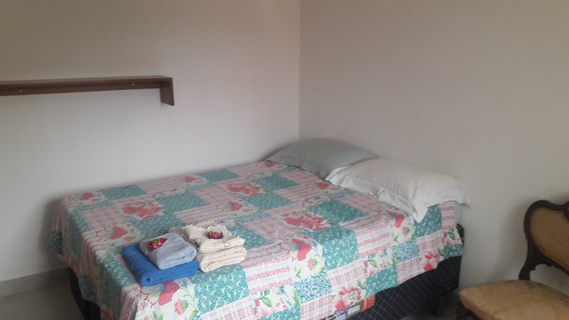 Lavanda - Comfortable Suite in a Cozy House Good Location and Transport -, holiday rental in Cotia