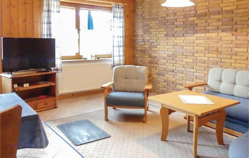 Amazing home in Gräfendorf with WiFi, 2 Bedrooms and Indoor swimming pool (DBA2, holiday rental in Steinau an der Strasse