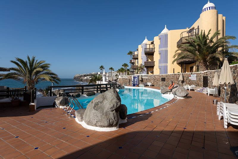 Cute apartment next to the beach and swimming pool, alquiler vacacional en Bahía Feliz