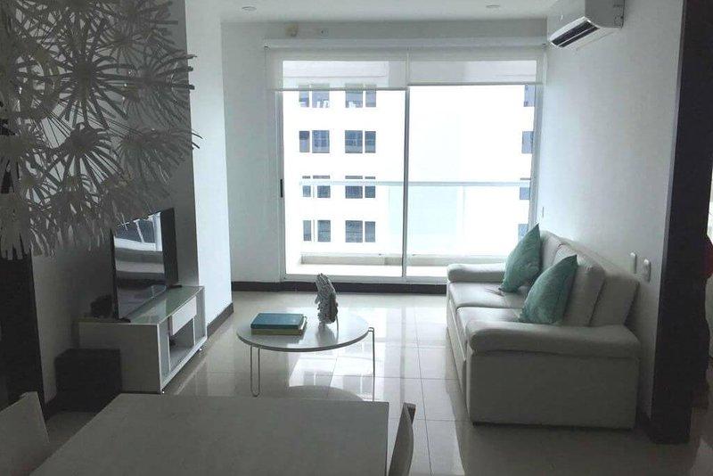 Beautiful beachfront apartment in exclusive area of Cartagena, holiday rental in La Boquilla