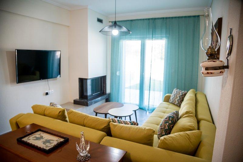 Villa Serafima - brand new Maisonette 4 min from the beach, vacation rental in Nikiti