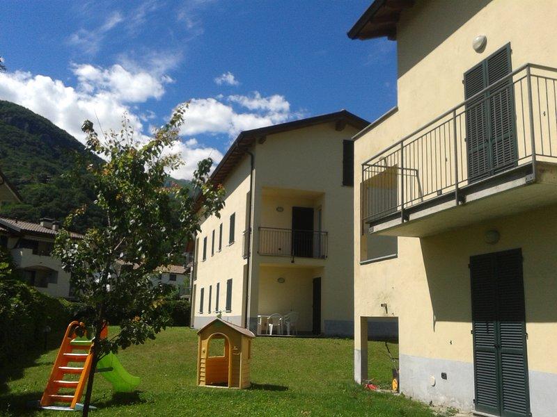 B2 bilo con terrazzo x6, location de vacances à Domaso