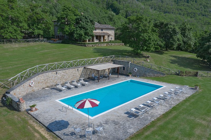 Lovely country house,absolute privacy,Airco,Pool,Wi-Fi,full equipped kitchen, holiday rental in Monterchi