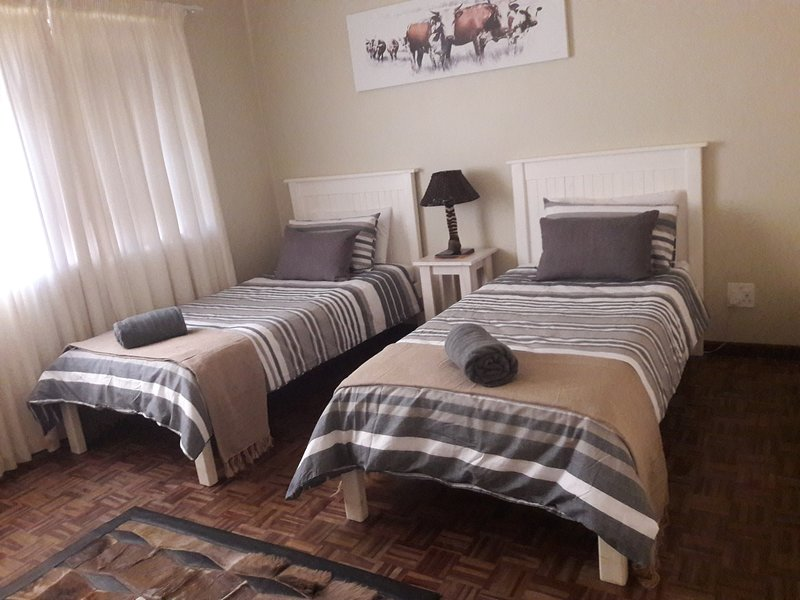Paarl - The Labyrinth (Room 2 - Single beds x 2), location de vacances à Malagas