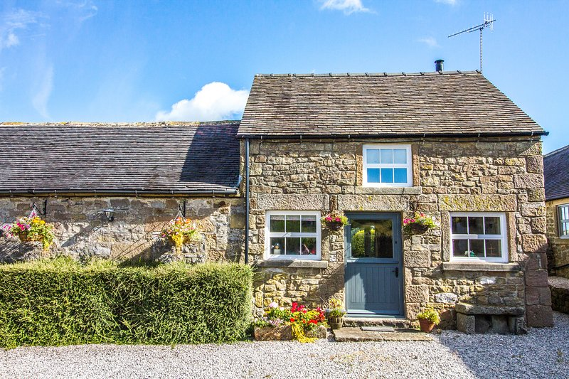 Lowfield Cottage, a beautiful characterful rural cottage. Mid week only, holiday rental in Bakewell