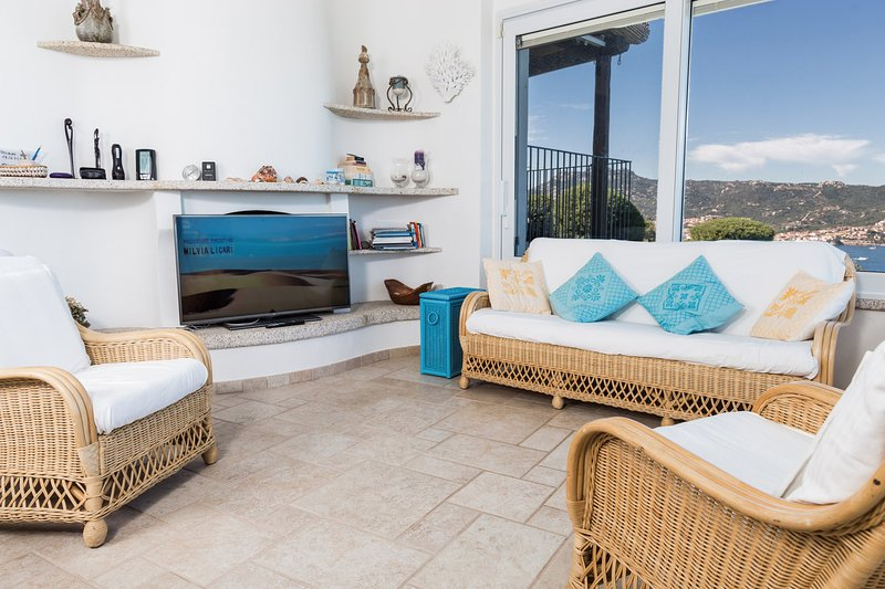 Villa Cala dei Ginepri,  private pool and close to sandy beach, North Sardinia, vacation rental in Baia Sardinia