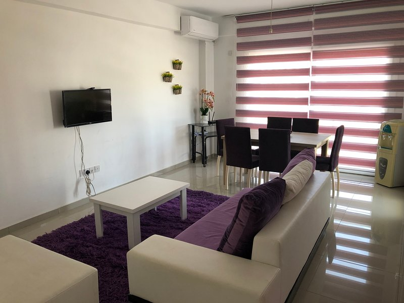 Tetris Apartment: Newly Decorated - Cozy Apartment in Nicosia, Ferienwohnung in Nikosia