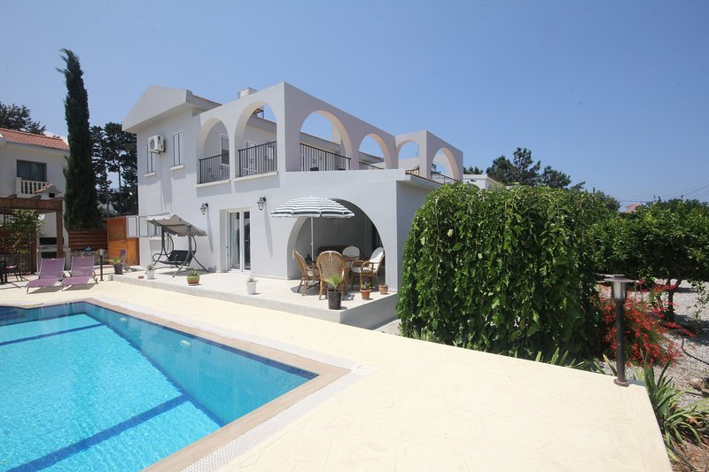 Sunshine Villa, holiday rental in Kormakitis