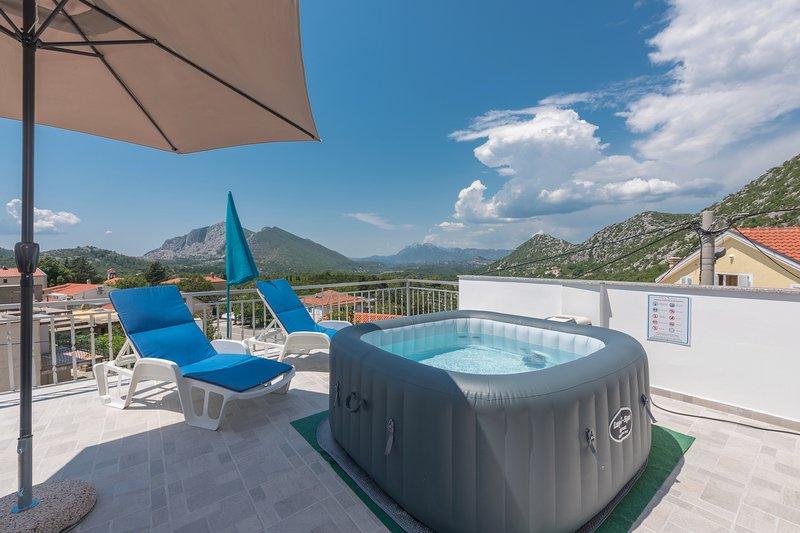 Bellavista 100 m2  -panoramic Spa, alquiler vacacional en Brela