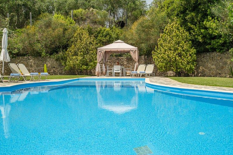 Agios Ioannis Villa Sleeps 10 with Pool and Air Con - 5364696, holiday rental in Agios Ioannis