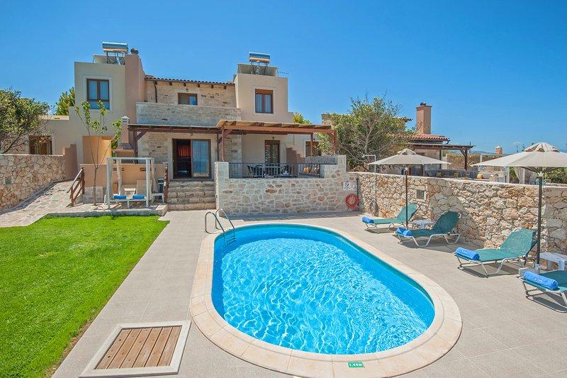 Private Pool & Great Seaview, 500m by the sea | Villa Stamatis, location de vacances à Skaleta