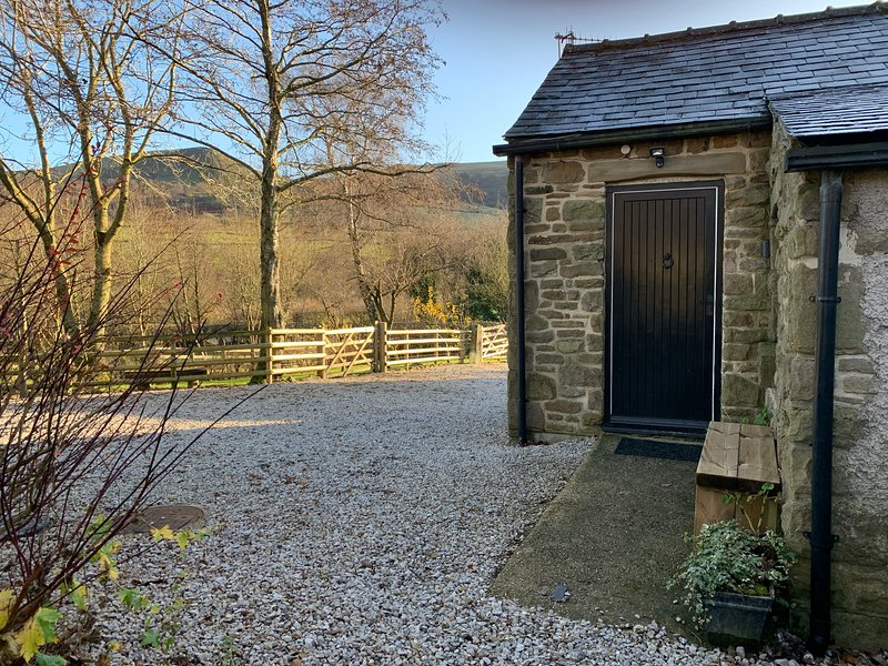 Brown Bread Cottage, holiday rental in Peak District National Park