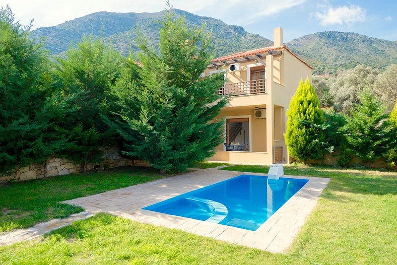 ARMONIA Uphoria, holiday rental in Axos