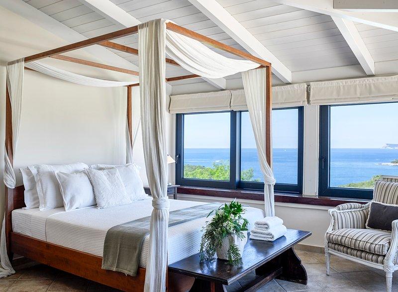 Syvota Villa Sleeps 10 with Pool and Air Con - 5217977, casa vacanza a Thesprotia Region