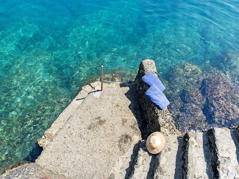 Portofino Villa Sleeps 11 with Air Con and WiFi - 5247992, holiday rental in Portofino