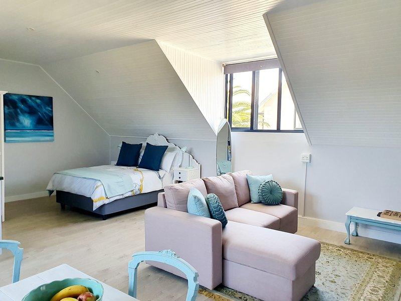 Stoneridge Deck Studio, holiday rental in Harkerville