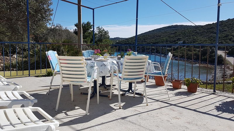 Vis Holiday Home Sleeps 6 with Air Con - 5469002, holiday rental in Vis