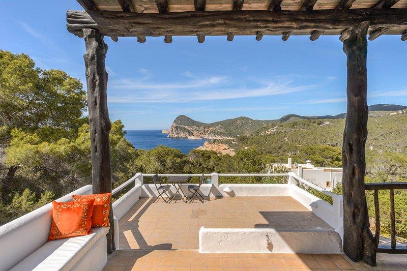 Cala Gracio Villa Sleeps 6 with Air Con - 5819393, holiday rental in Cala Gracio