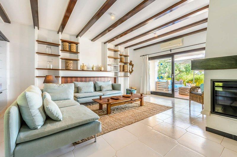 Jesus Villa Sleeps 6 with Pool and Air Con - 5819396, location de vacances à Nuestra Senora de Jesus