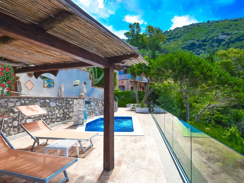 Roncato Villa Sleeps 4 with Pool Air Con and WiFi - 5819574, vacation rental in Roncato