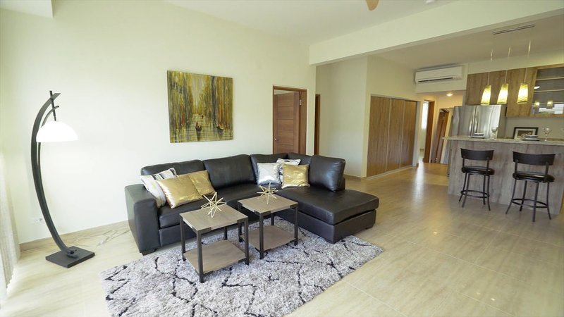 LUXURY TUMON LOCATION - 3BEDROOM SUITE, vacation rental in Santa Rita