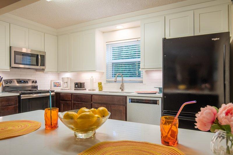 Nouvelle cuisine entièrement équipée avec de nombreuses petites attentions pour une expérience sans soucis.