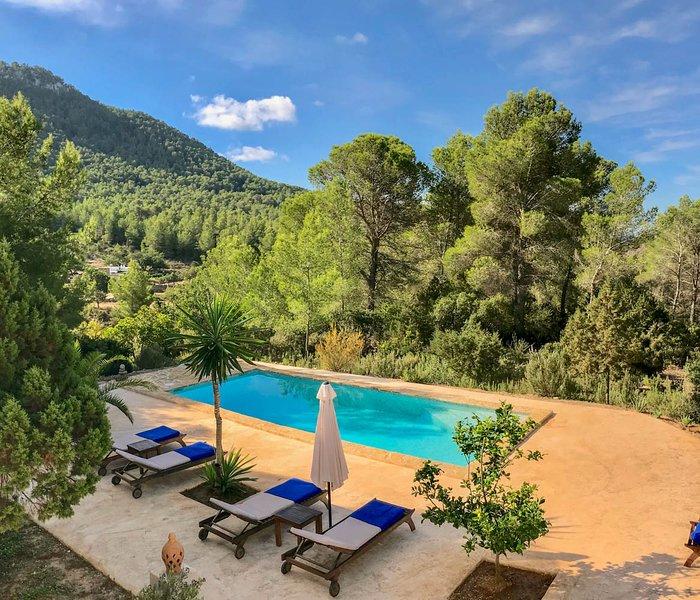 Cala Vadella Villa Sleeps 6 with Pool and Air Con - 5820172, holiday rental in Cala Vadella