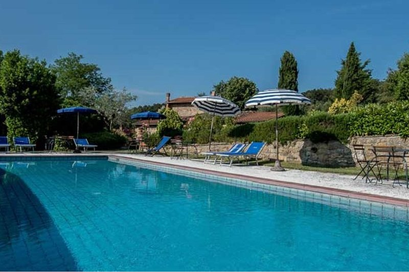 Trequanda Apartment Sleeps 4 with Pool - 5820212, vacation rental in Trequanda