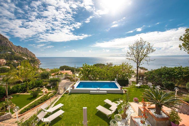 Santa Flavia Villa Sleeps 11 with Pool and Air Con - 5820422, vacation rental in Santa Flavia