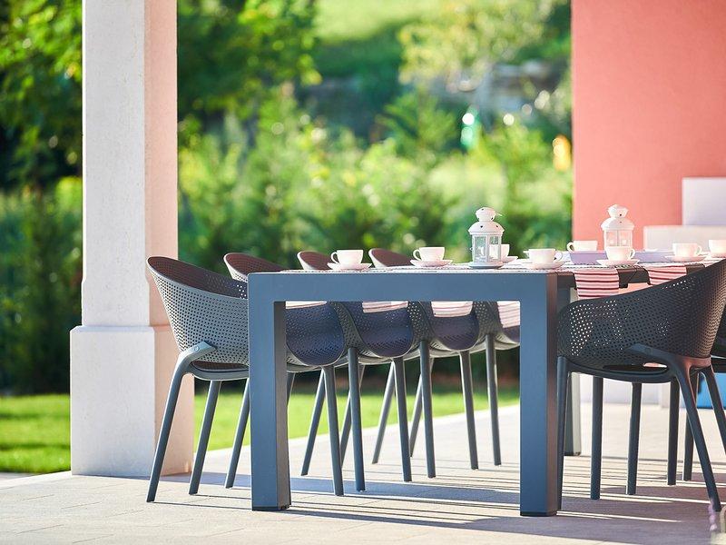 Zavrsje Villa Sleeps 8 with Pool and Air Con - 5820499, holiday rental in Vizintini Vrhi