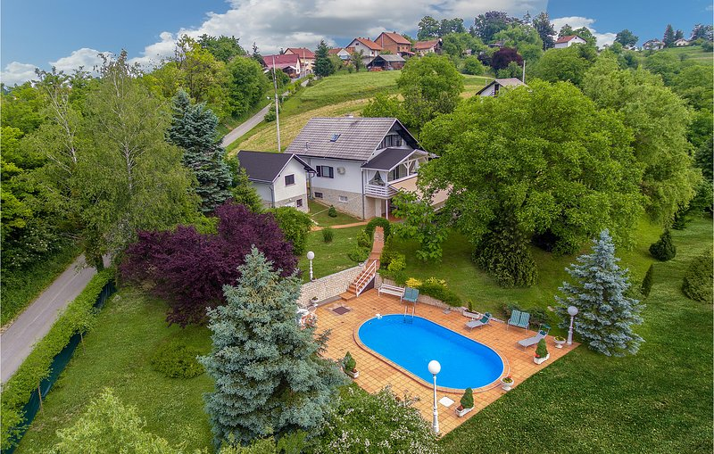 Amazing home in Seketin with WiFi and 1 Bedrooms (CCC130), vacation rental in Ivanec
