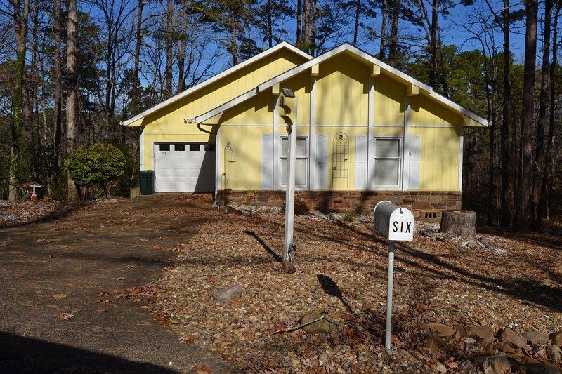 6SoltLn    Carmona Area Home   Sleeps 4, holiday rental in Hot Springs Village