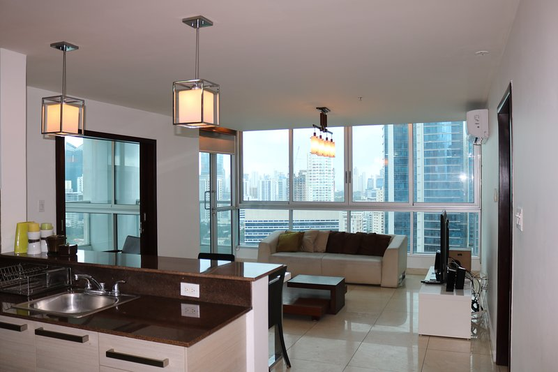 2 Bedroom Apartment at the Heart of Panama City, alquiler vacacional en Las Cumbres