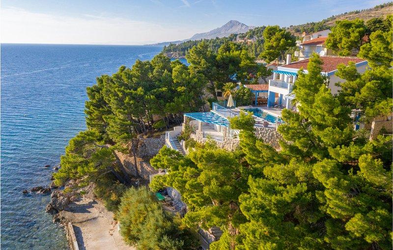 Piratenstad en raftingavontuur in de omgeving (CDT775), location de vacances à Stanici