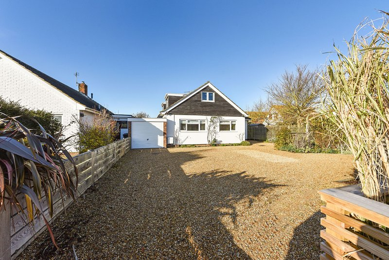 The Rife, West Wittering, holiday rental in Bracklesham Bay