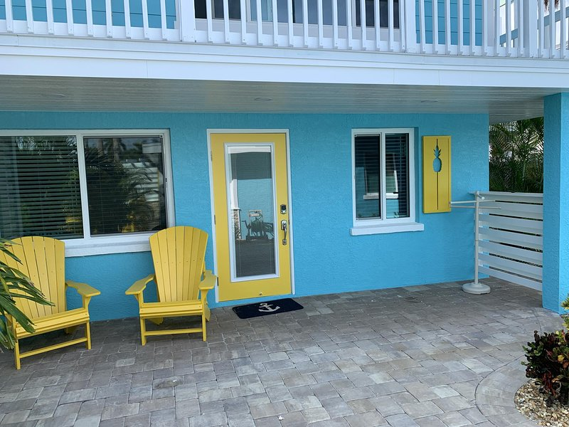 All You Need Is At Coconut Cove...Walk or bike to beach and restaurants!, casa vacanza a Manasota Key