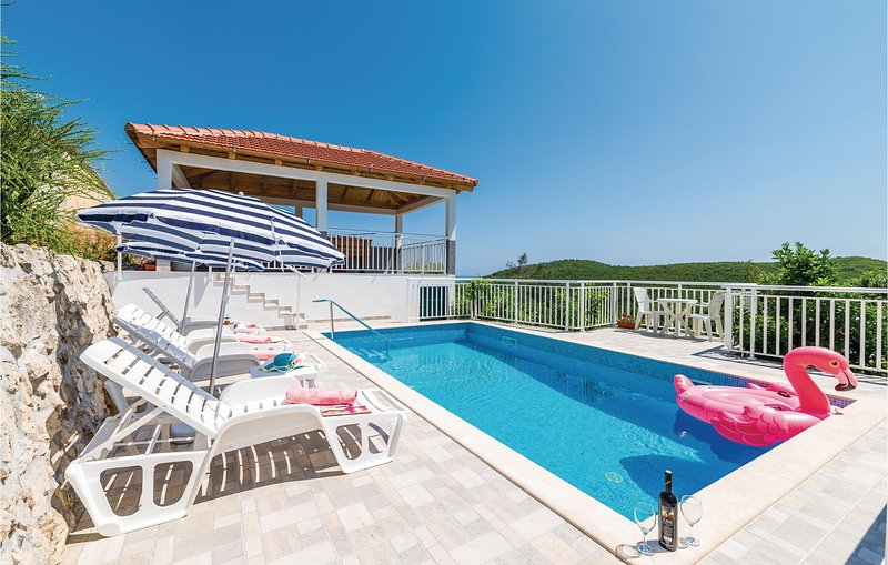 Awesome home in Babino Polje with WiFi and 4 Bedrooms (CDG116), casa vacanza a Mljet National Park