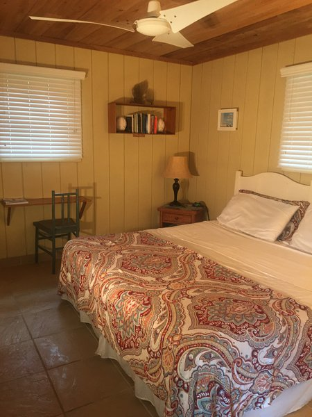 The Cottage at Palmirage, holiday rental in Deadman's Cay