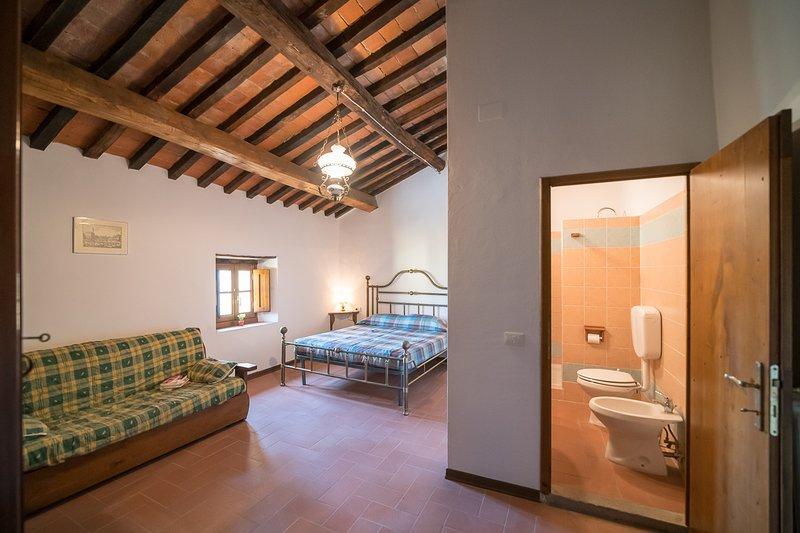 Camera con bagno Rosa, holiday rental in Rufina