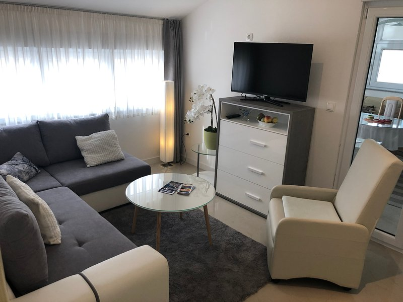 Apartment Matea -Villa Klaudia, vacation rental in Trogir