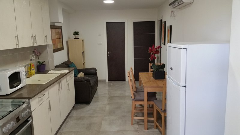 2 BD Luxurious Vacation Suite on Lachish, alquiler vacacional en Beit Shemesh