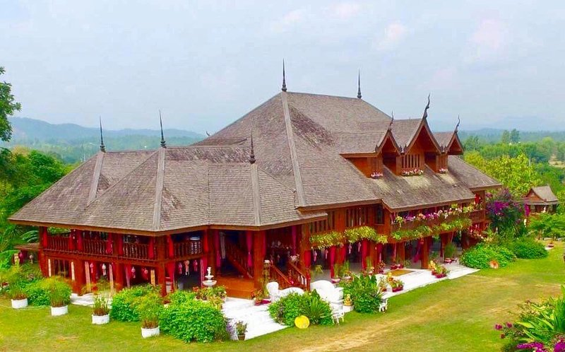Thai Teak Palace Your Own Private Mountaintop Palace in Thailand, holiday rental in Mae Taeng