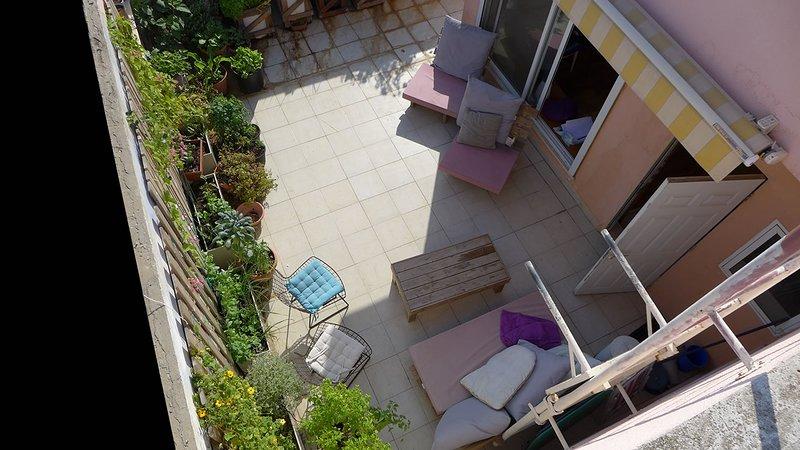 My rooftop apartment - the highest point of Tel Aviv, alquiler de vacaciones en Lod