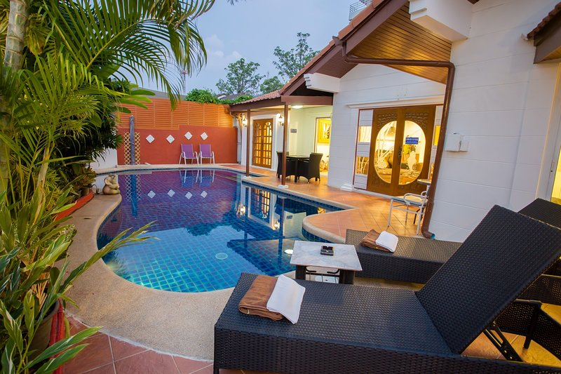 Villa with Private swimming pool walk through the beach only 300 meter.