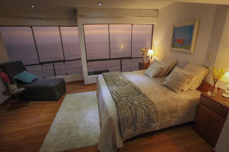 Oceanfront Penthouse in Miraflores, location de vacances à Lima